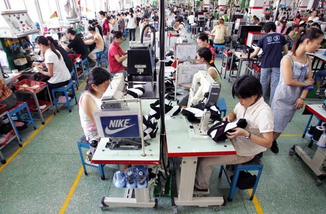China_strike_shoes640.jpg